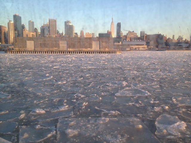 Frozen Hudson River (01-8-14)